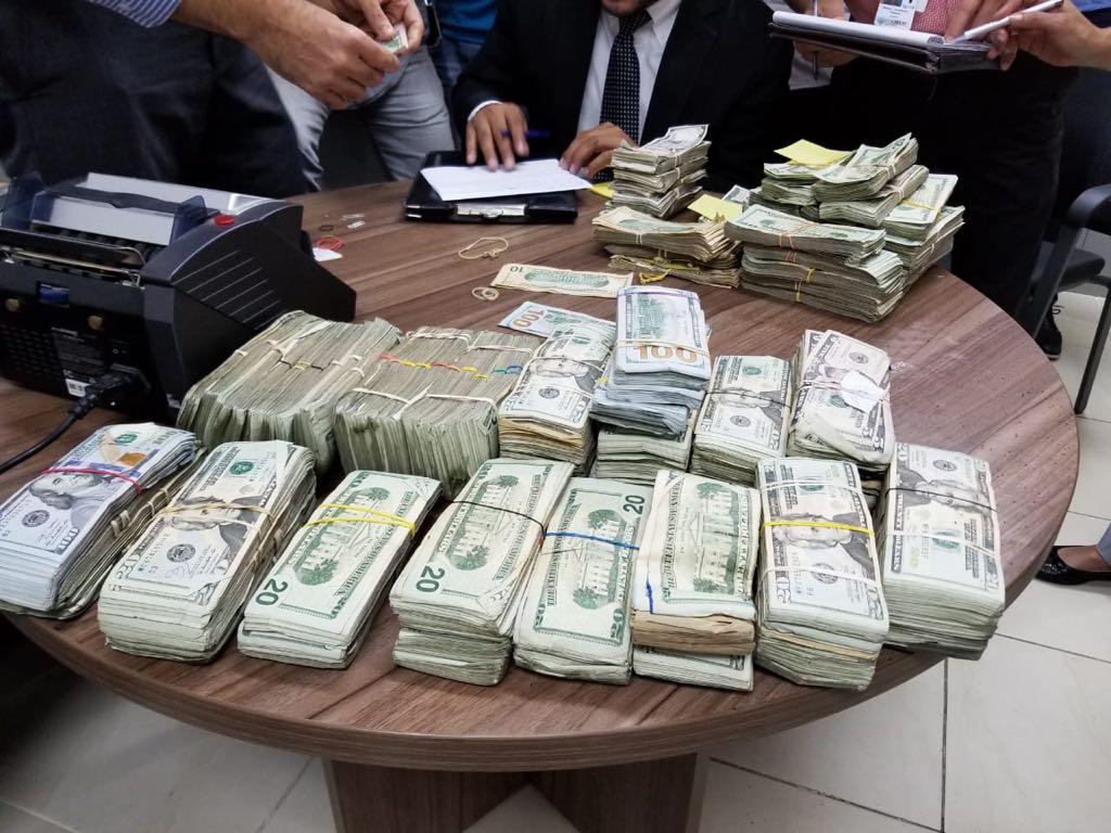 Image result for Decomisan 244 mil dólares dentro de furgoneta en Puerto Rico